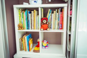 organising kids books, declutter books, children's books, culling books